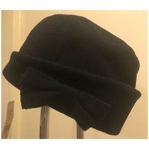 Searle Designer Wool Hat w/ Bow Design